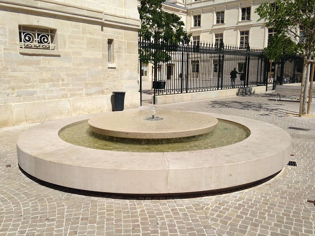 poitiers castle flagstones fountain urban development SETP