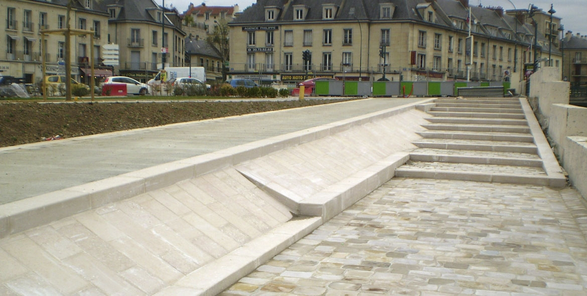 Pontoise wharves made with Comblanchien kerbs