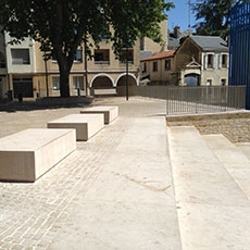 poitiers Benches